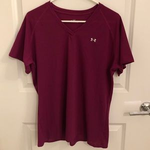 Under Armour relaxed fit v-neck short sleeve shirt